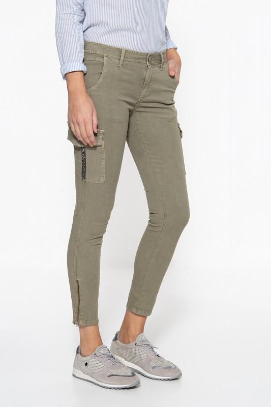 ATT JEANS Slim Fit Jeans »Carolin« mit aufgesetzten Taschen am Oberschenkel Carolin