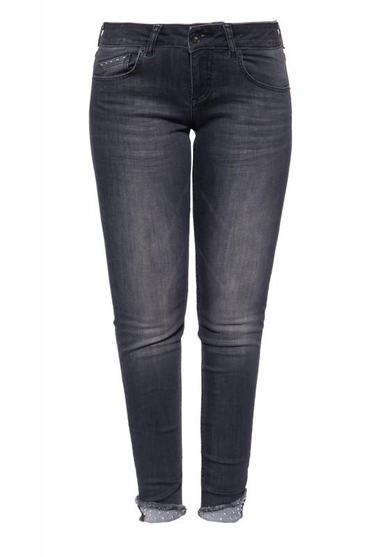 Jeans mit Waschungen und Nieten »Leoni«