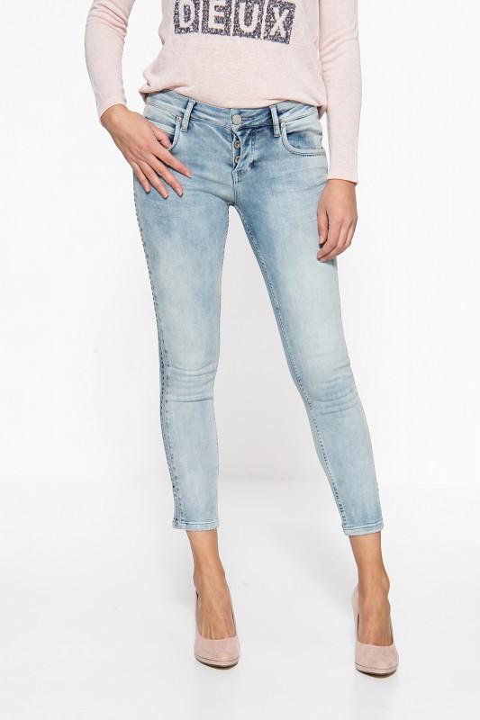 ATT JEANS Slim Fit Jeans mit seitlichem Nietenstreifen Delia
