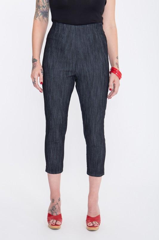 Capri Jeans »Basic« mit modischen Schlitzen am Beinabschluss Basic